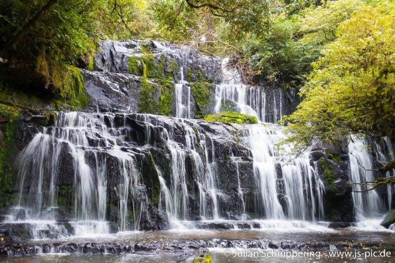 The cascade waterfall named Purakaunui falls